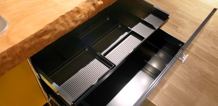 オーダーキッチンの収納トレー