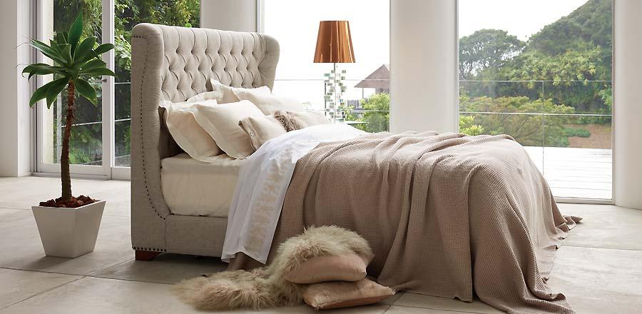 シモンズのベッドは、雲の上で寝ているよう。
