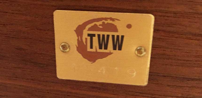 高山ウッドワークスのシリアルナンバー